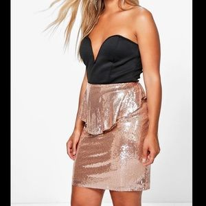 Boohoo plus rose gold skirt